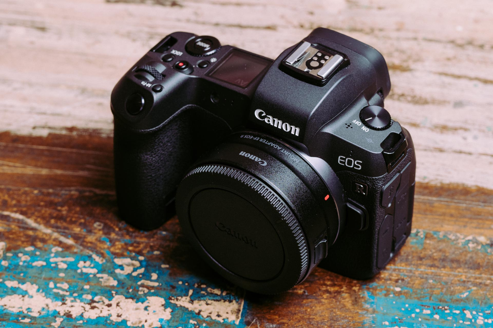 Canon EOS R z adapterem