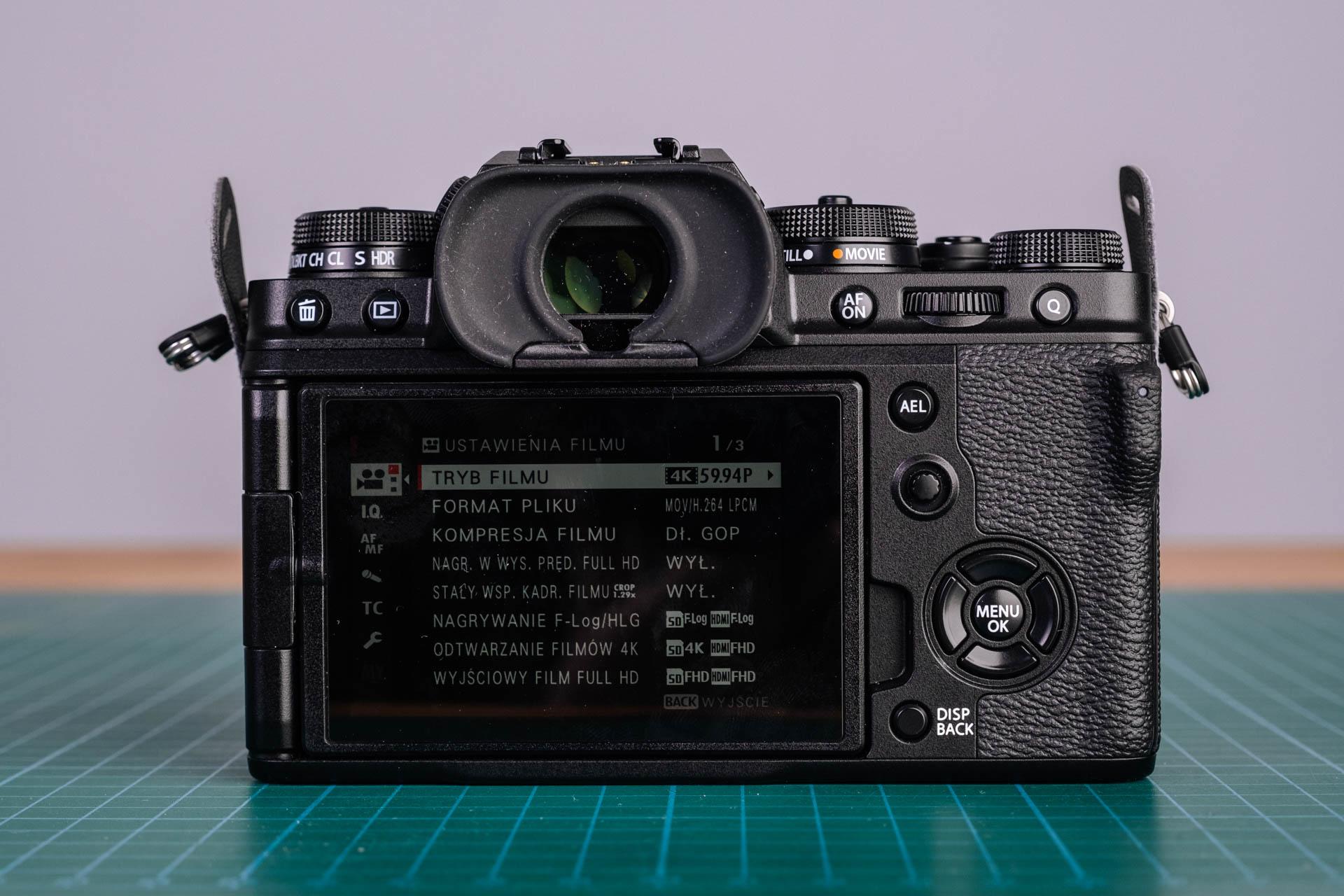 Fujifilm X-T4 - ekran otwarty